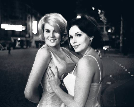Gina and Nana, Paris 1963